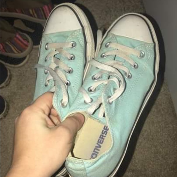 Converse Shoes - Converse gently used $35 size8